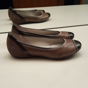 CLARKS PRIVO BROWN LEATHER SUEDE FLATS  - SIZE 7M